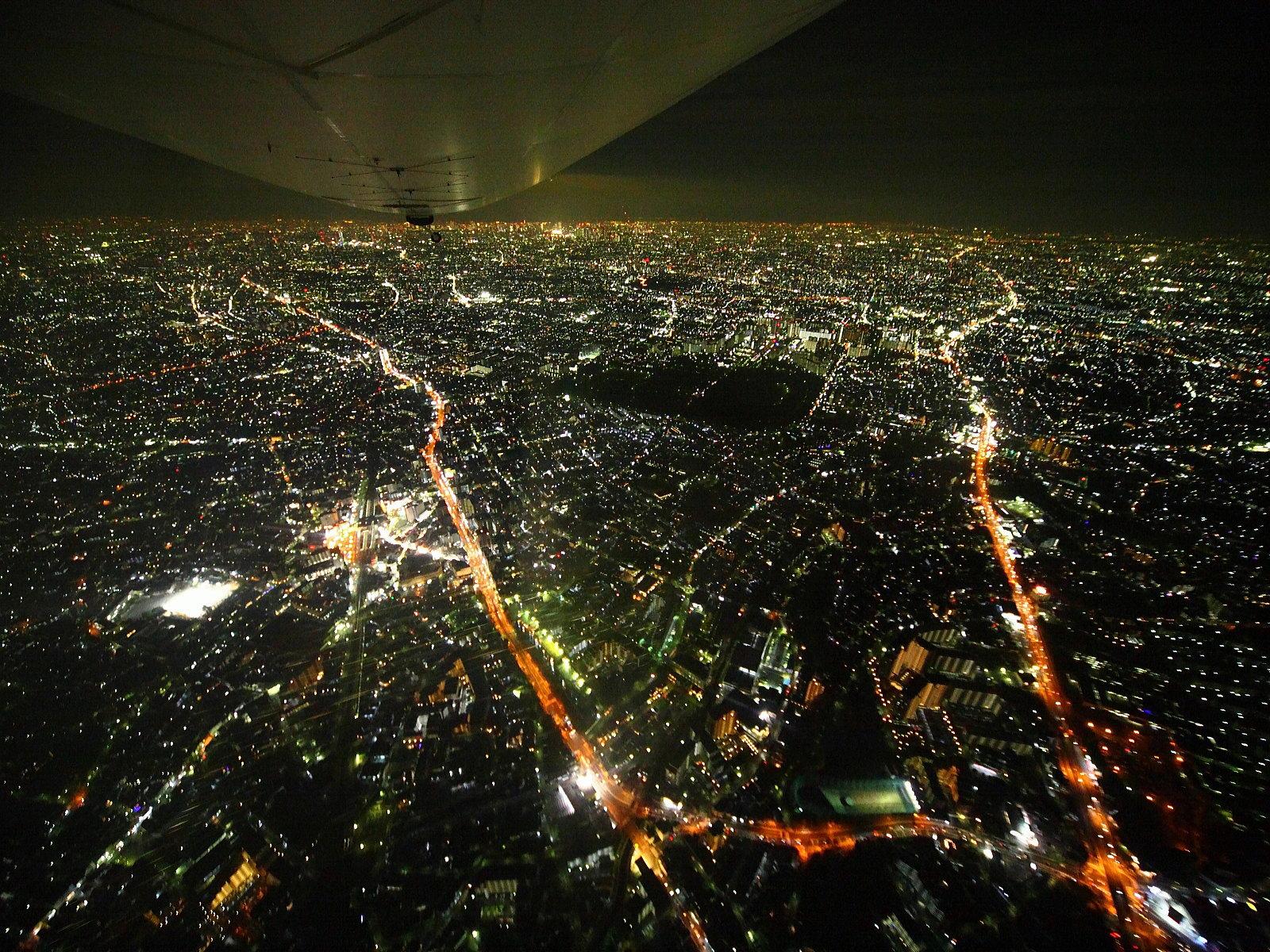 空拍東京夜 - 有趣貼圖影片 - Uwants.com 空拍東京夜 服務 服務 MammyDad